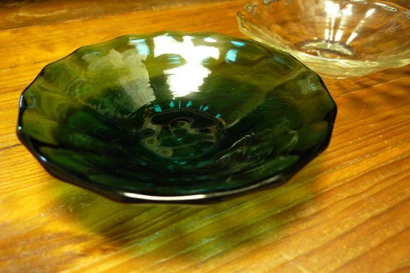 吹き硝子の小皿