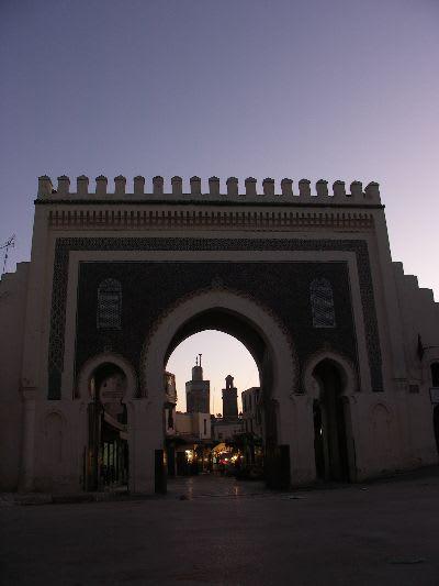 モロッコ・フェズ旧市街の世界遺産バブ・ブージュルード(門)