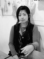それが内田也哉子さん。 彼女をみたのはもうずっと昔「フライデー」とか「フォーカス」だか忘れたけど、 写真週刊誌だった。 当時多分10歳くらい。