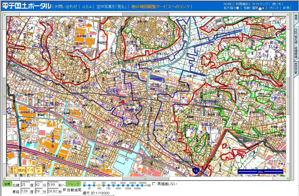 上の地図は、右端が切れて表示 ... : 地図記号 小学校 : 小学校