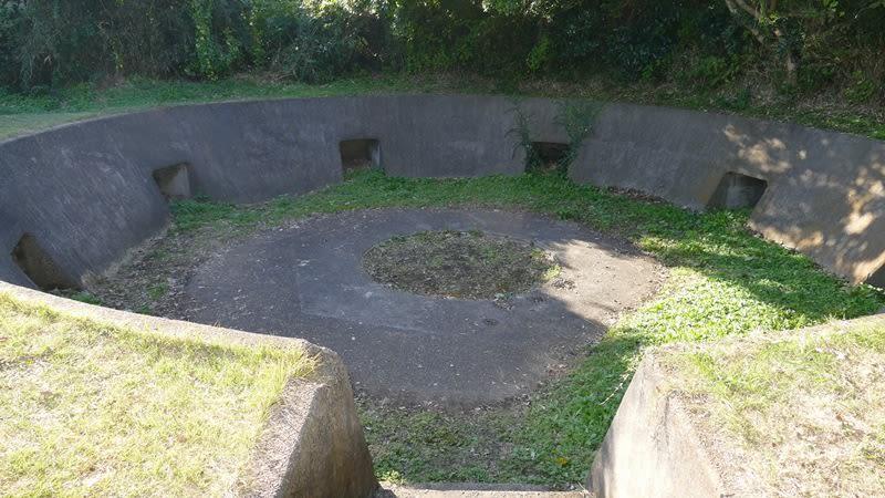 旧海軍の砲台跡