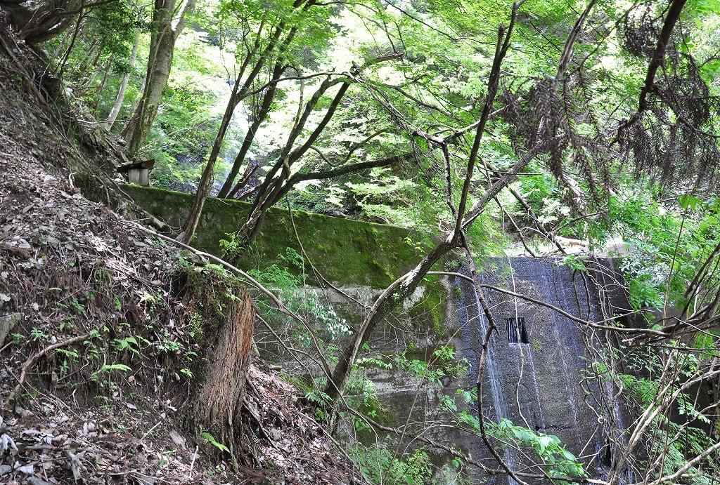 黒瀬滝前の堰堤
