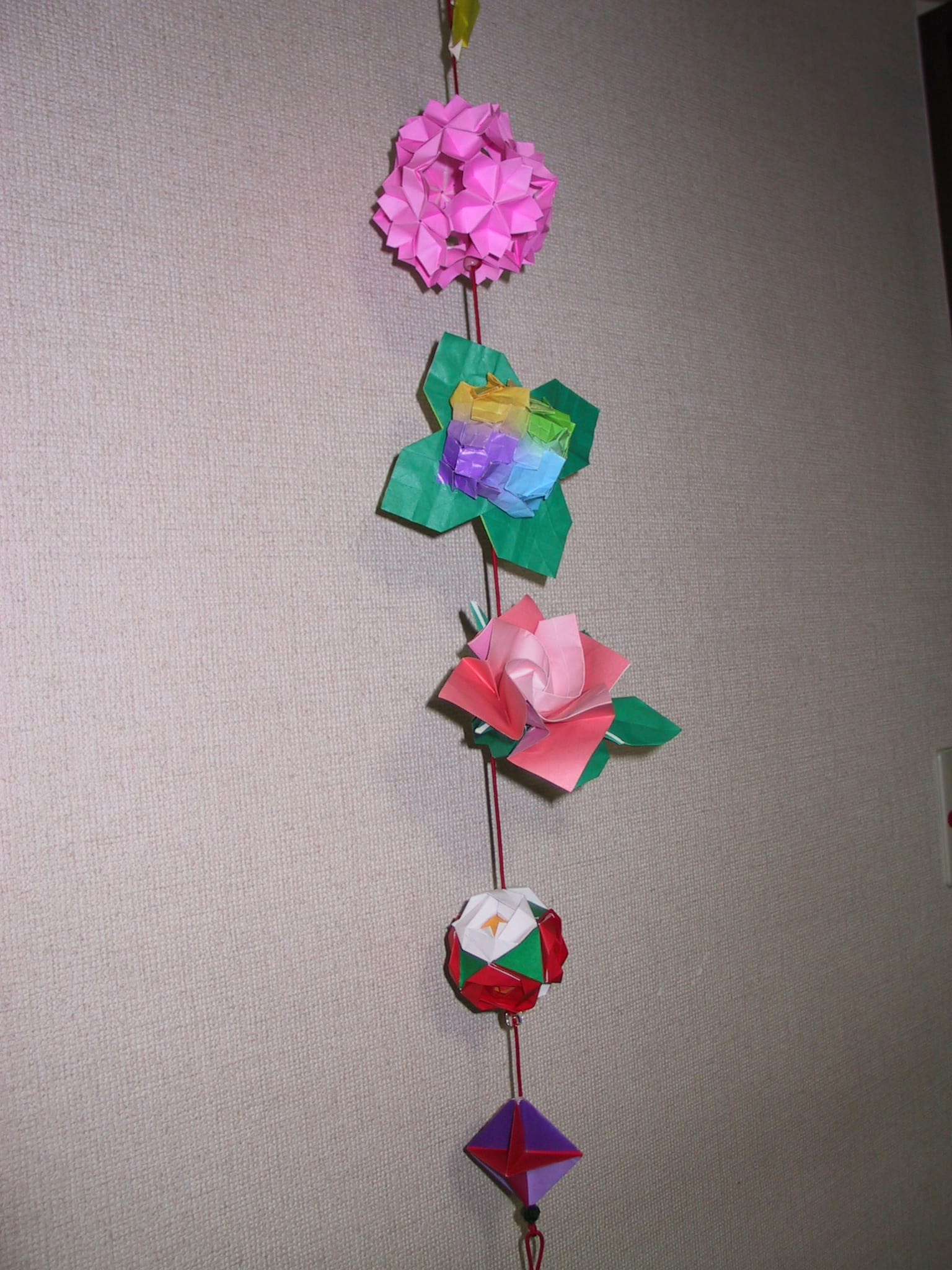 すべての折り紙 折り紙 冬 : 一年の花のつるし飾り - 私の ...
