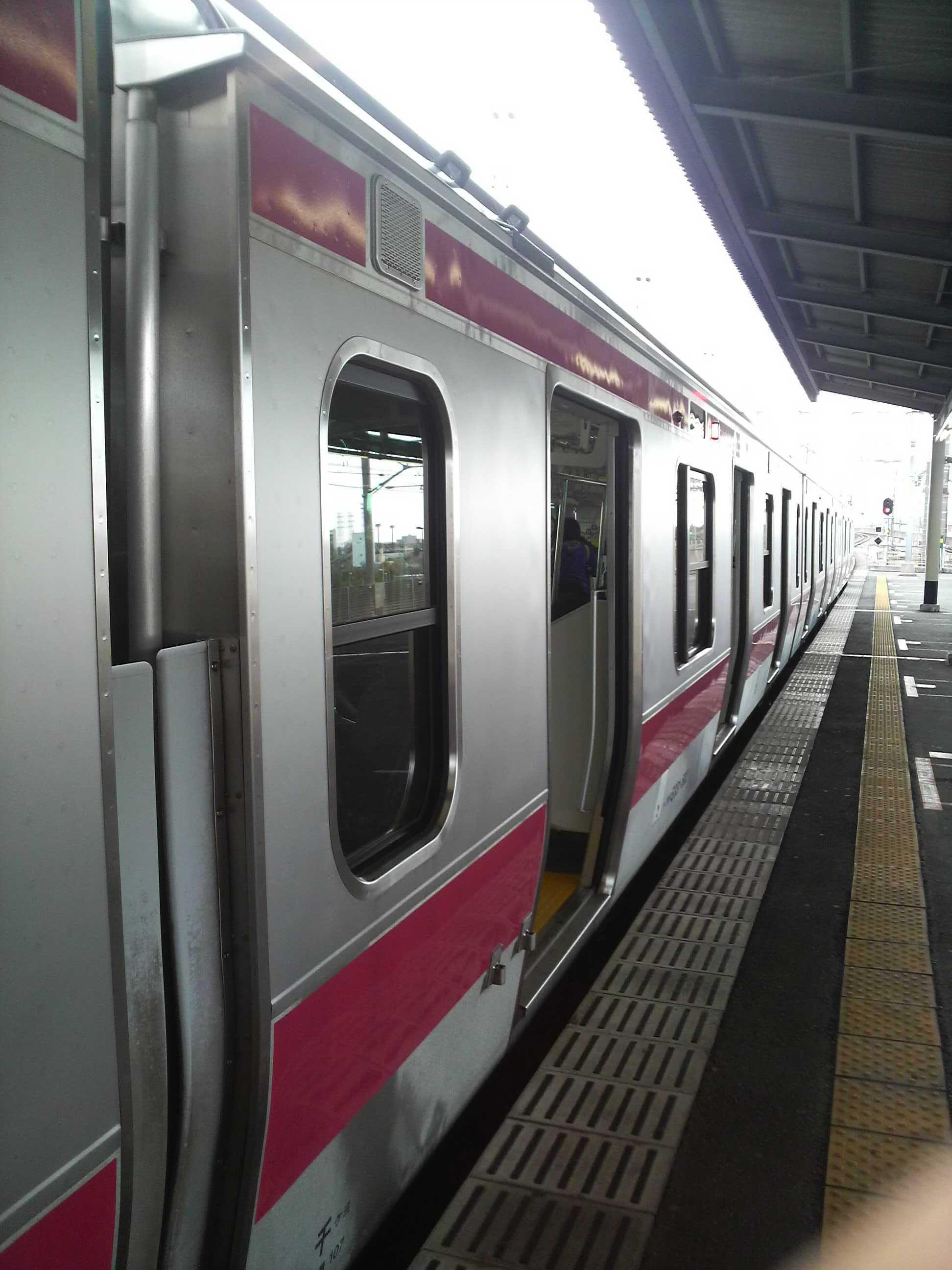 E331系各駅停車東京行@葛西臨海公園駅