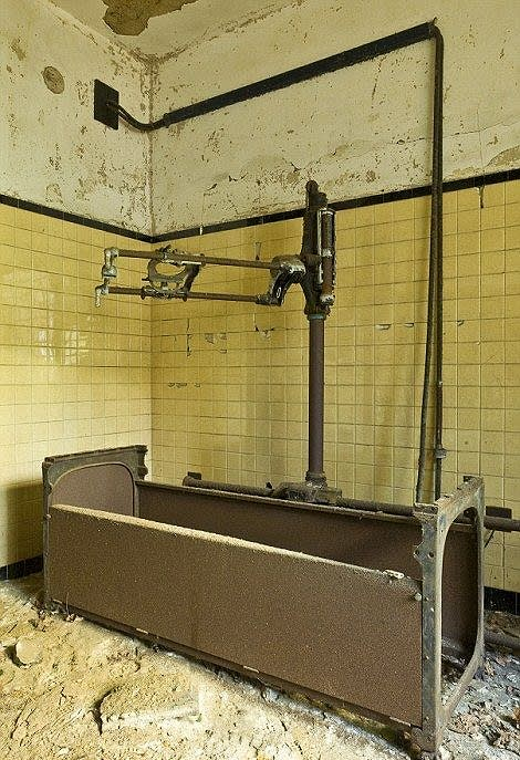 米ニューヨーク、ハンセン病療養所廃墟 - mirojoan's Blog ブログ ログ
