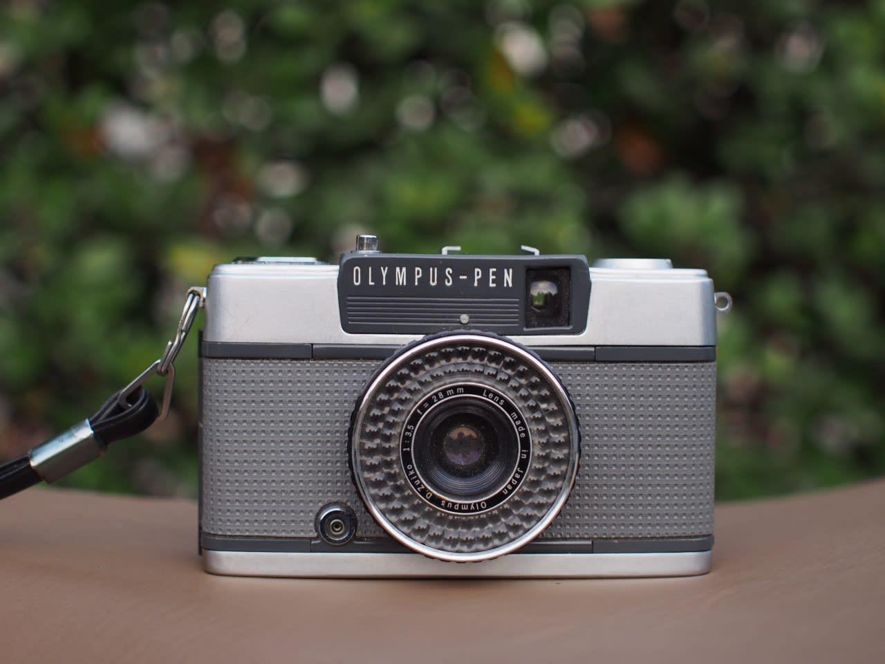 ハーフサイズカメラ OLYMPUS PEN...