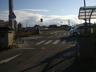 (新)草津川に架かる矢倉橋、草津4丁目から北詰を撮影