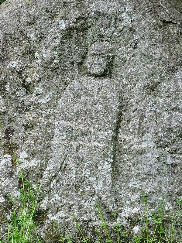 左の魔崖石仏