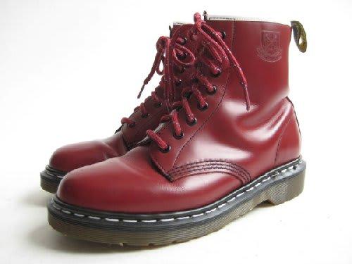 パンクムーブメントが巻き起こった70年代中期~80年代初頭イギリスではそのファッションにもブームが起こる特にドクターマーチンの靴はパンクロックスターの間で