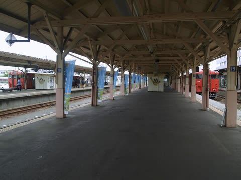 しかも驚いたことにこれから乗る釧路運輸車両所へのアクセス列車でした。 ... 釧路運輸車両所の一