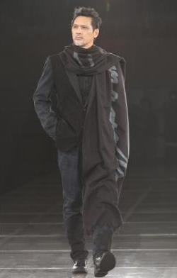 モデルの加藤雅也