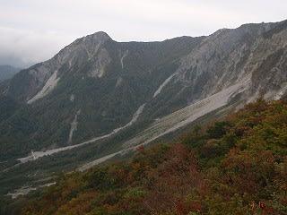 元谷から先は紅葉が始まっています。