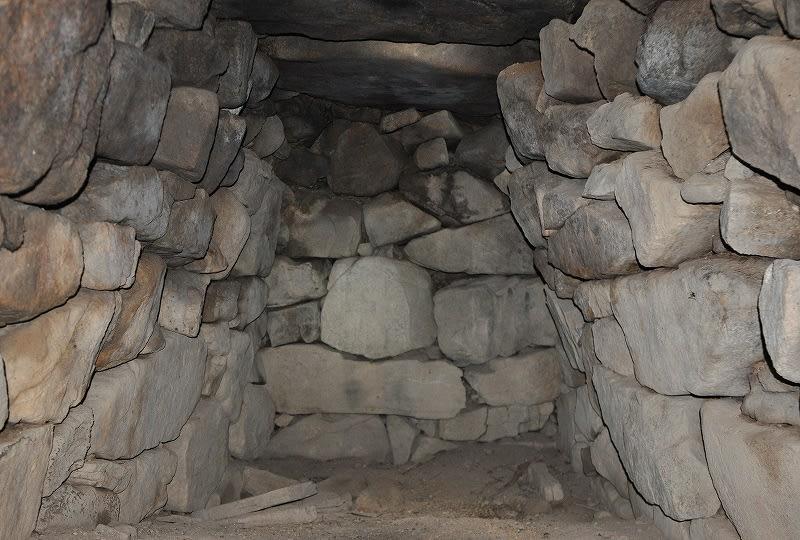 鹿高神社境内古墳前方奥壁
