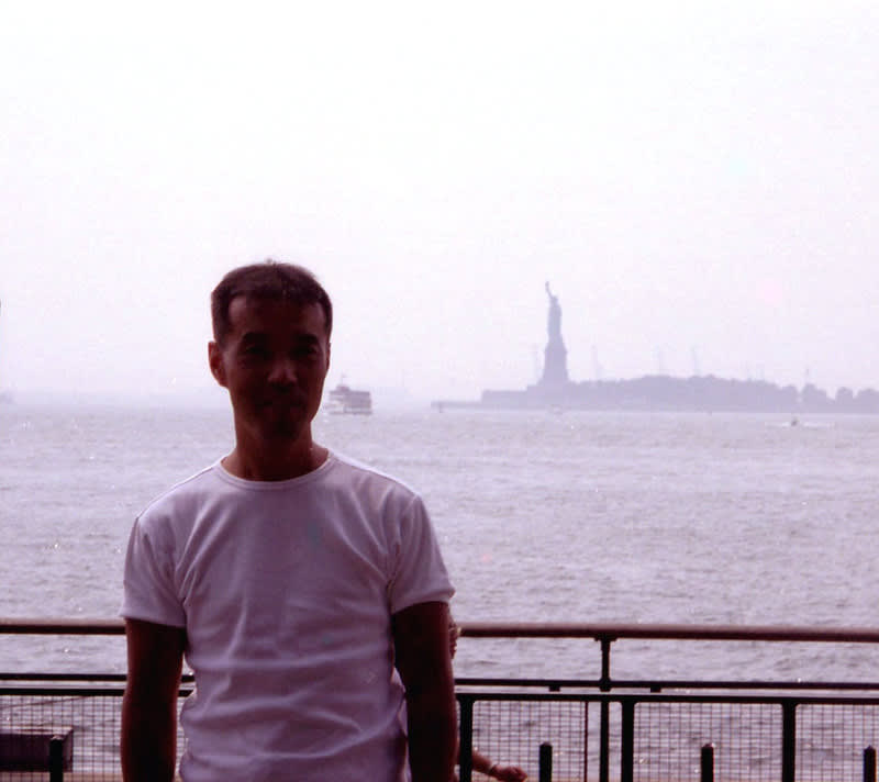 Jackie_with_statue_of_liberty_2