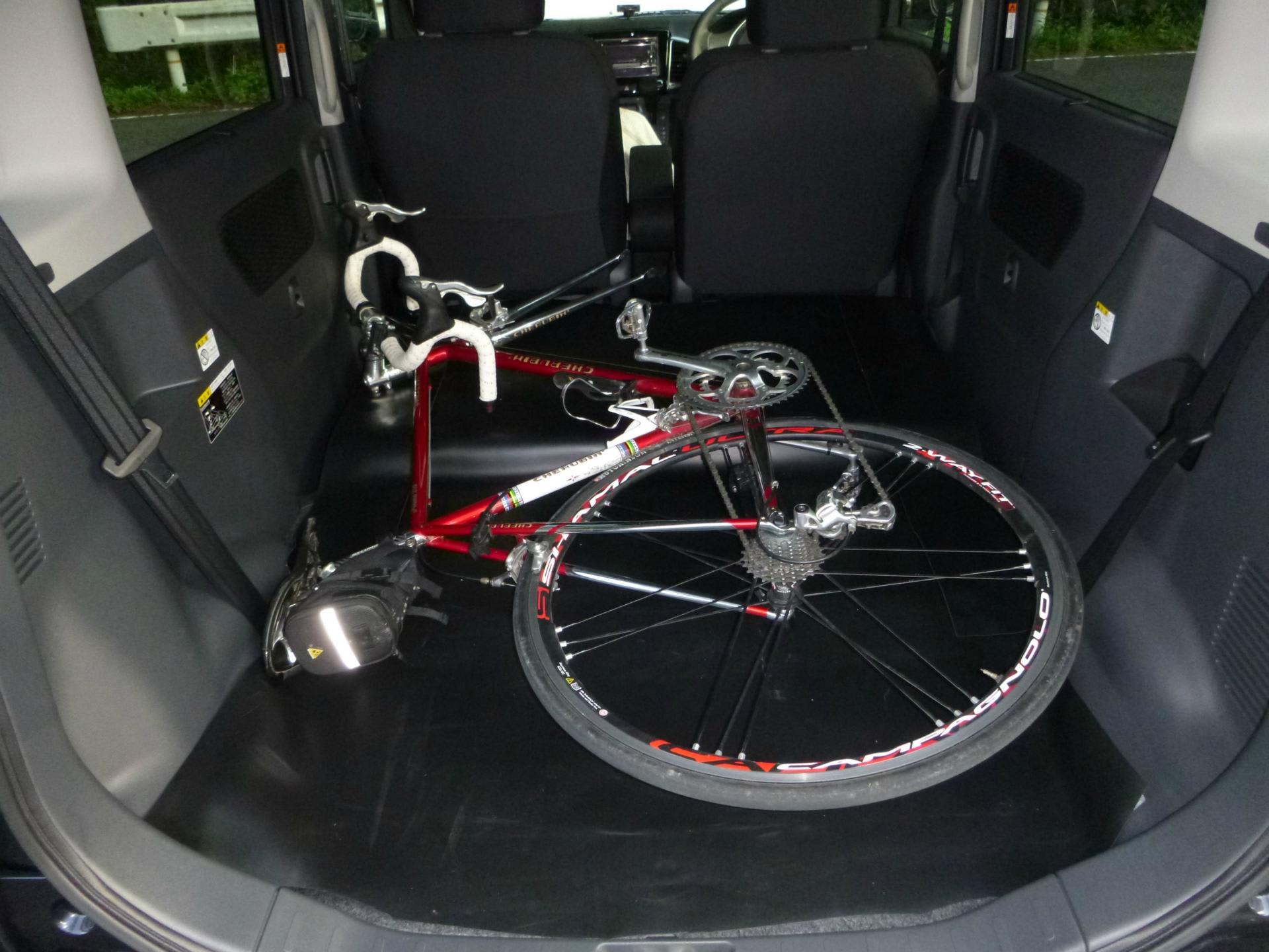 自転車の 自転車 車の中 固定 : 自転車乗りの新車購入記(その ...