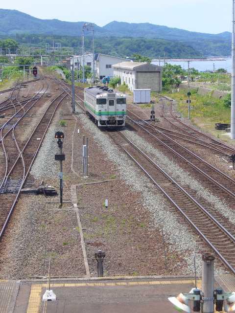 森駅に到着するキハ40