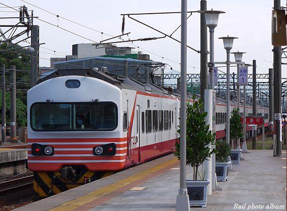 竹南 2011年7月23日 ジャンル:ウェブログ コメント 自強号 EMU1200系(台鉄)