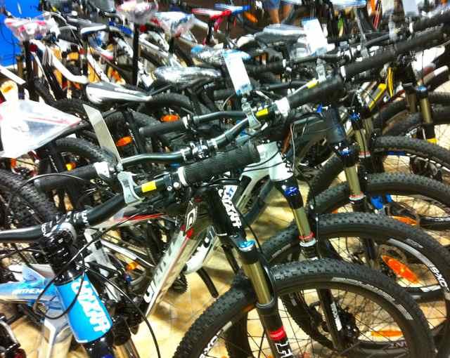 自転車の 大人用 小さい自転車 : ... 大人用の自転車は充実してきた