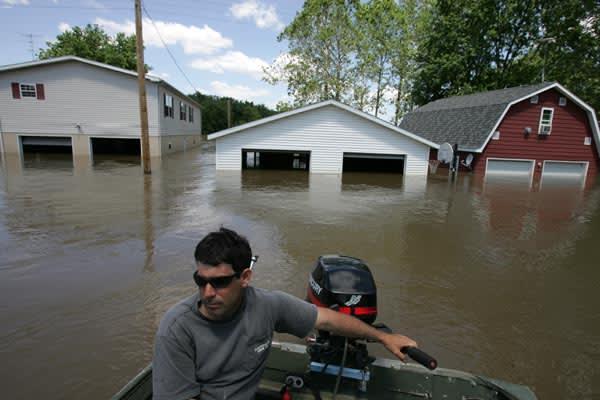 洪水被害の取材で隣にあるアイオワ州にきている。 例年にない多雨のせいでミ...  Kuni Ta