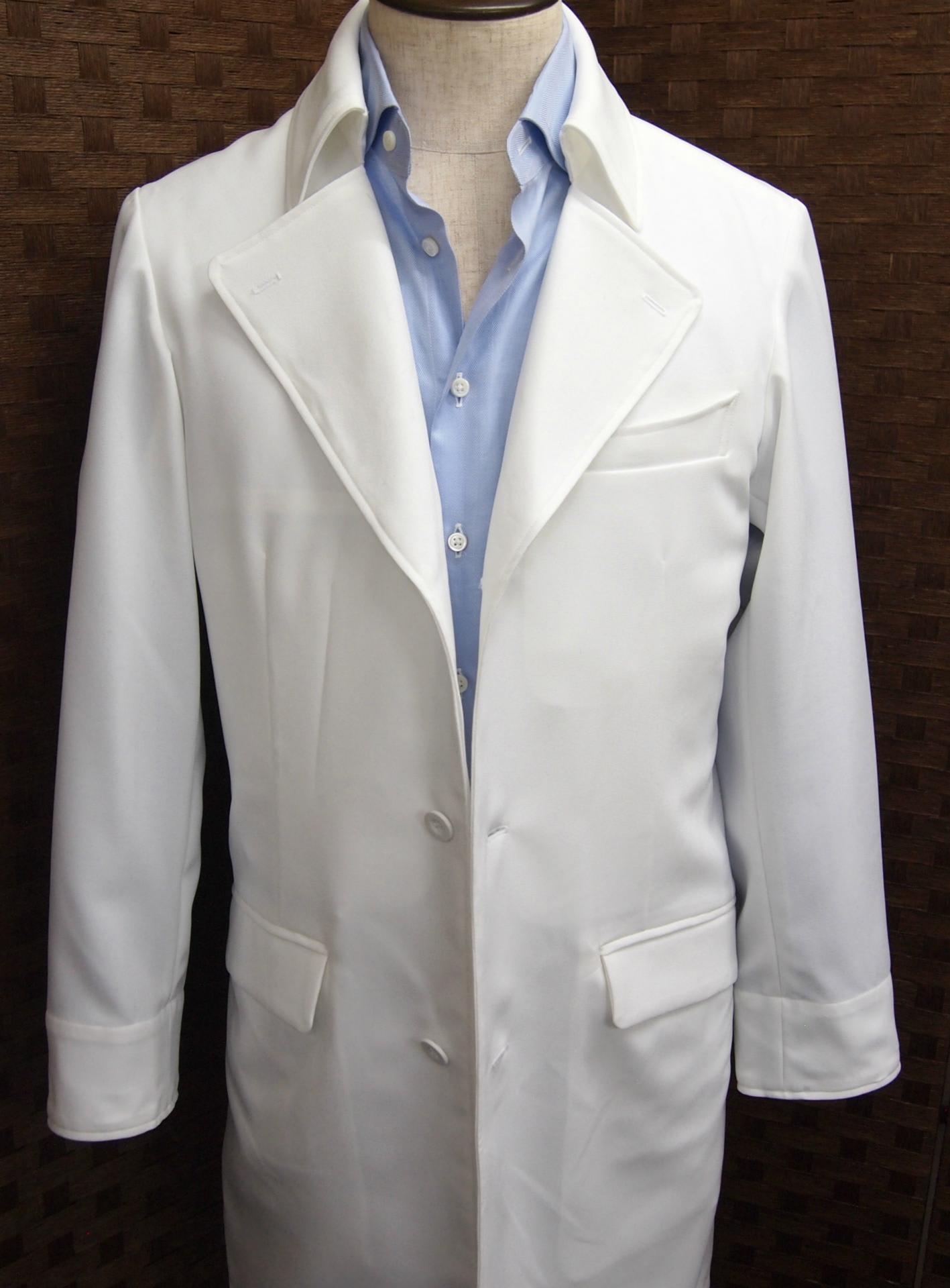 バックスタイルです。バックスタイルです。トレンチらしく「覆い布」を付け... 2013年新作白衣
