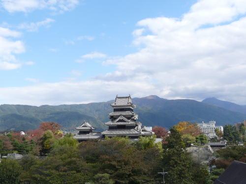 松本城近辺の紅葉