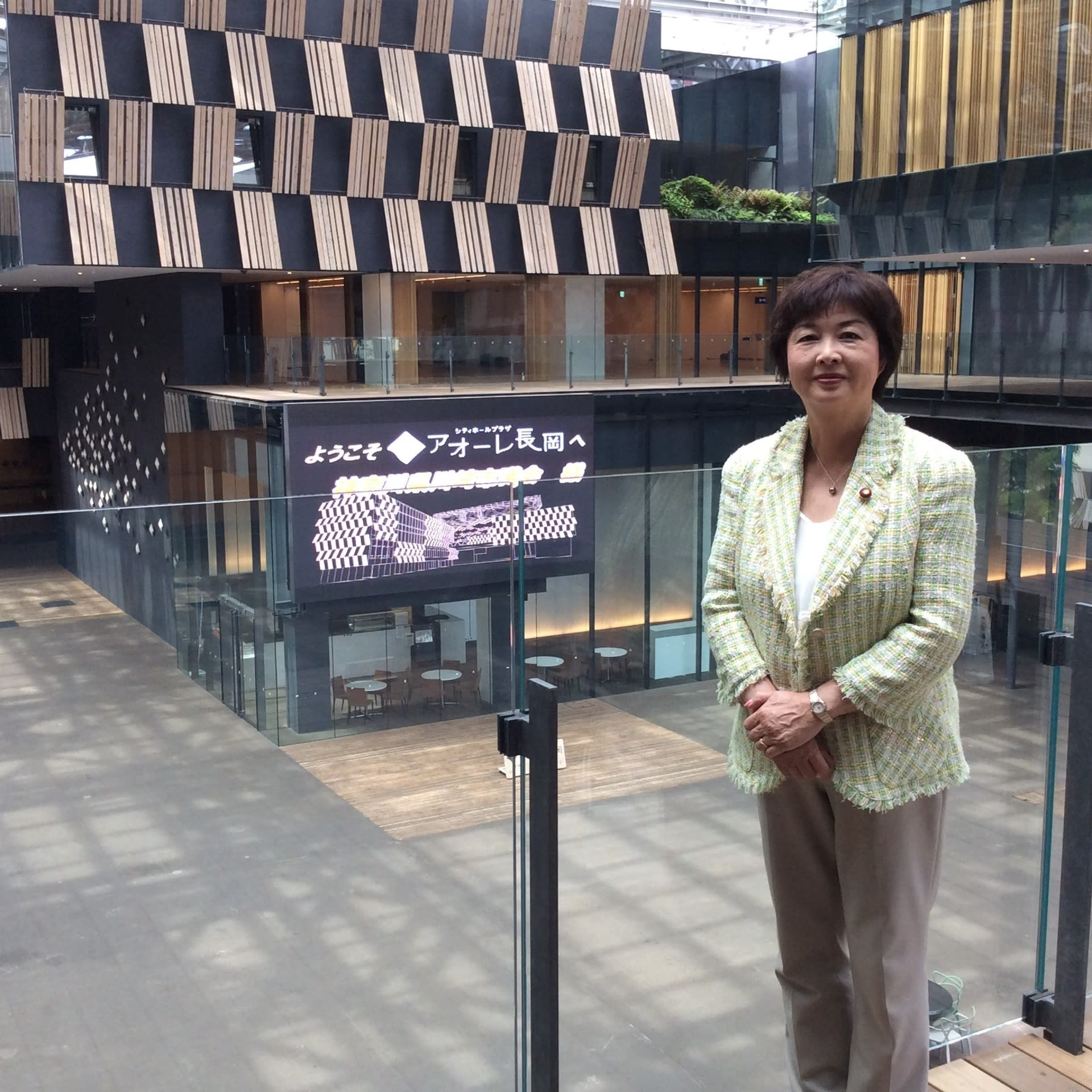自転車の 新潟市 自転車 条例 : 議会場は1回にあり 市民から ...