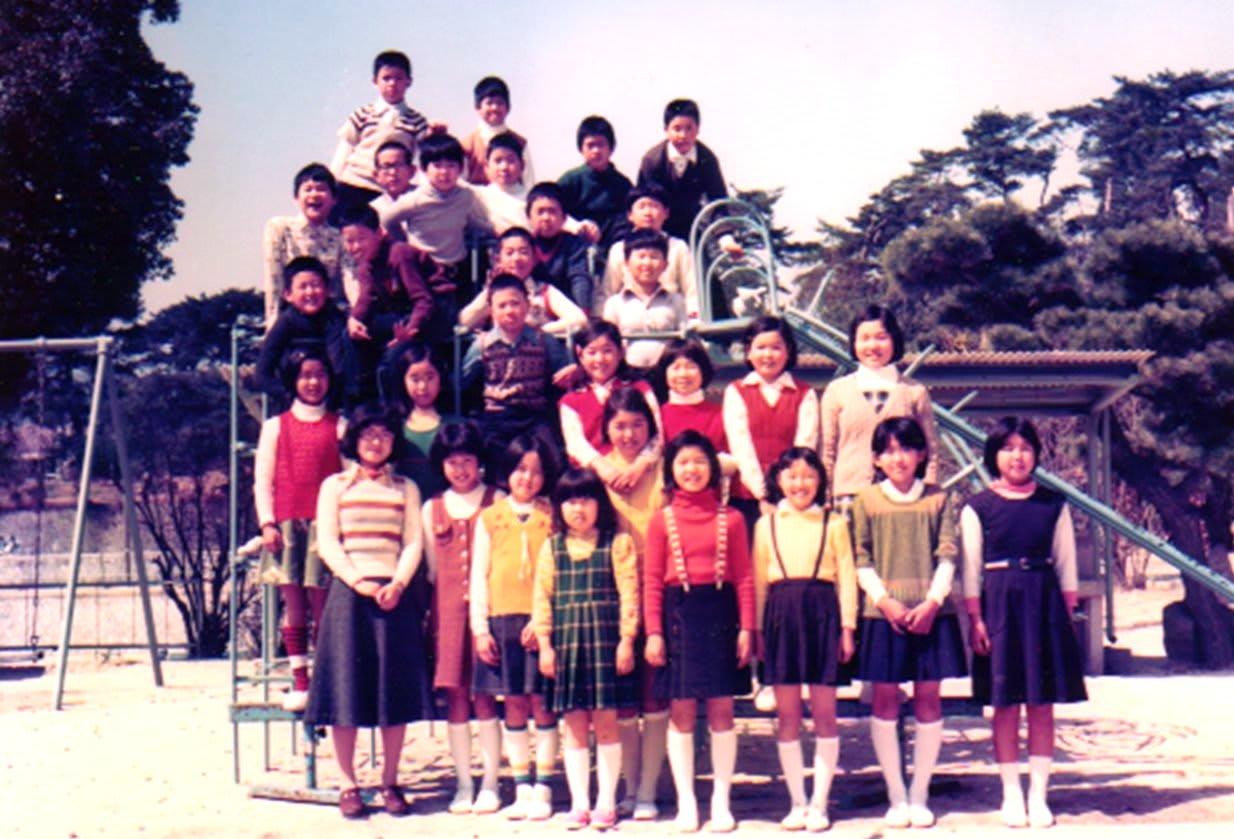 5年2組、担任は岡田先生。 現在は中校庭はなくなりましたが、ここで憑りつかれた様に「ポコペン」に