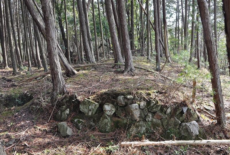 桃山古墳石組み