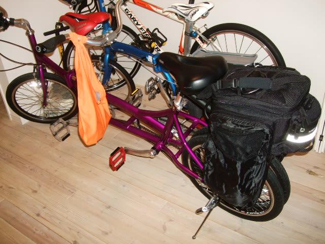 自転車の 自転車 二人乗り : 二人乗り自転車の旅・・・。
