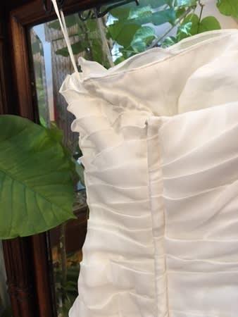 かなりお買いもの上手な花嫁様このドレスの元の値段を聞いたらびっくりしてしまいますね