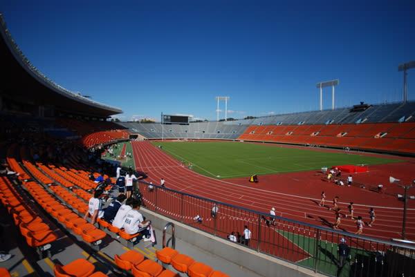 国立競技場の正式名称をご存じだろうか。国立霞ヶ丘陸上競技場と言うらしい。... 国立競技場
