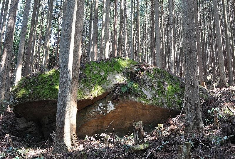 カラトの寝石