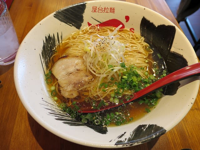 端麗醤油らーめん(細麺)
