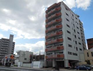 建造中の共同住宅