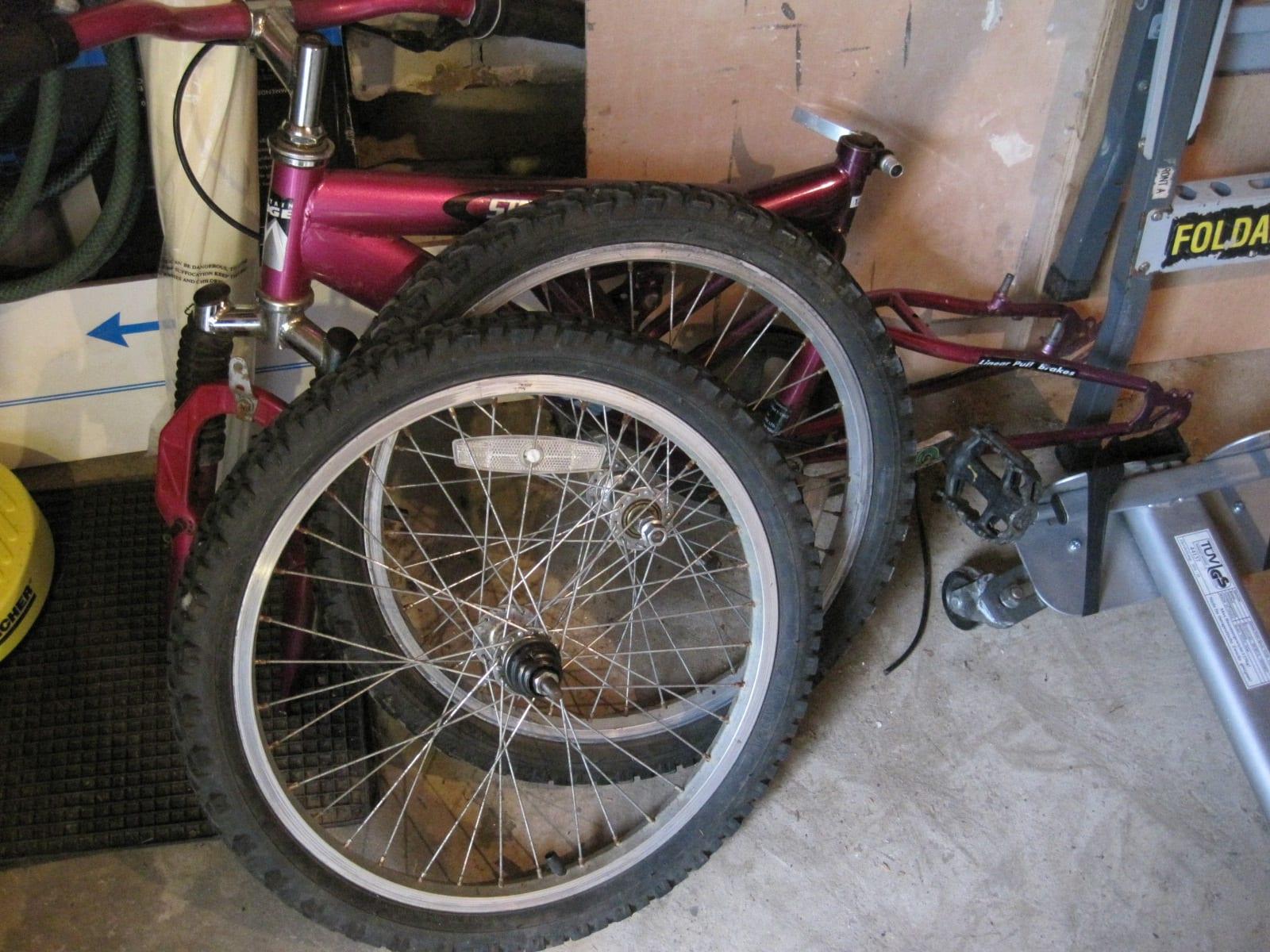 廃棄自転車2台入手、1/8 ...