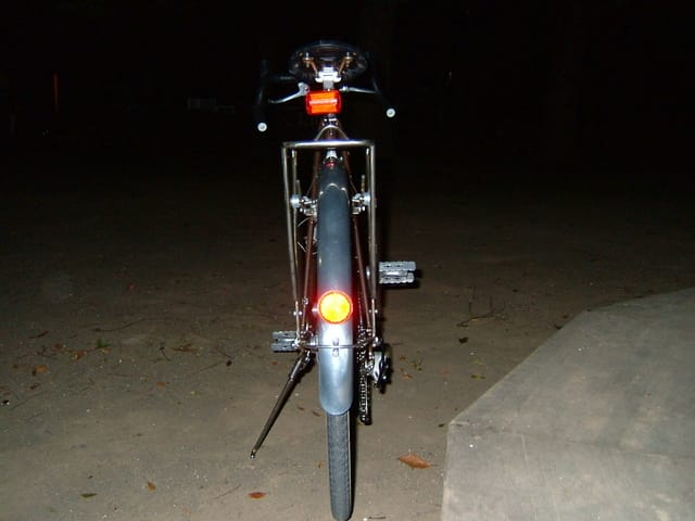 自転車の 自転車 ライト 修理 : フロントキャリアも新品に ...