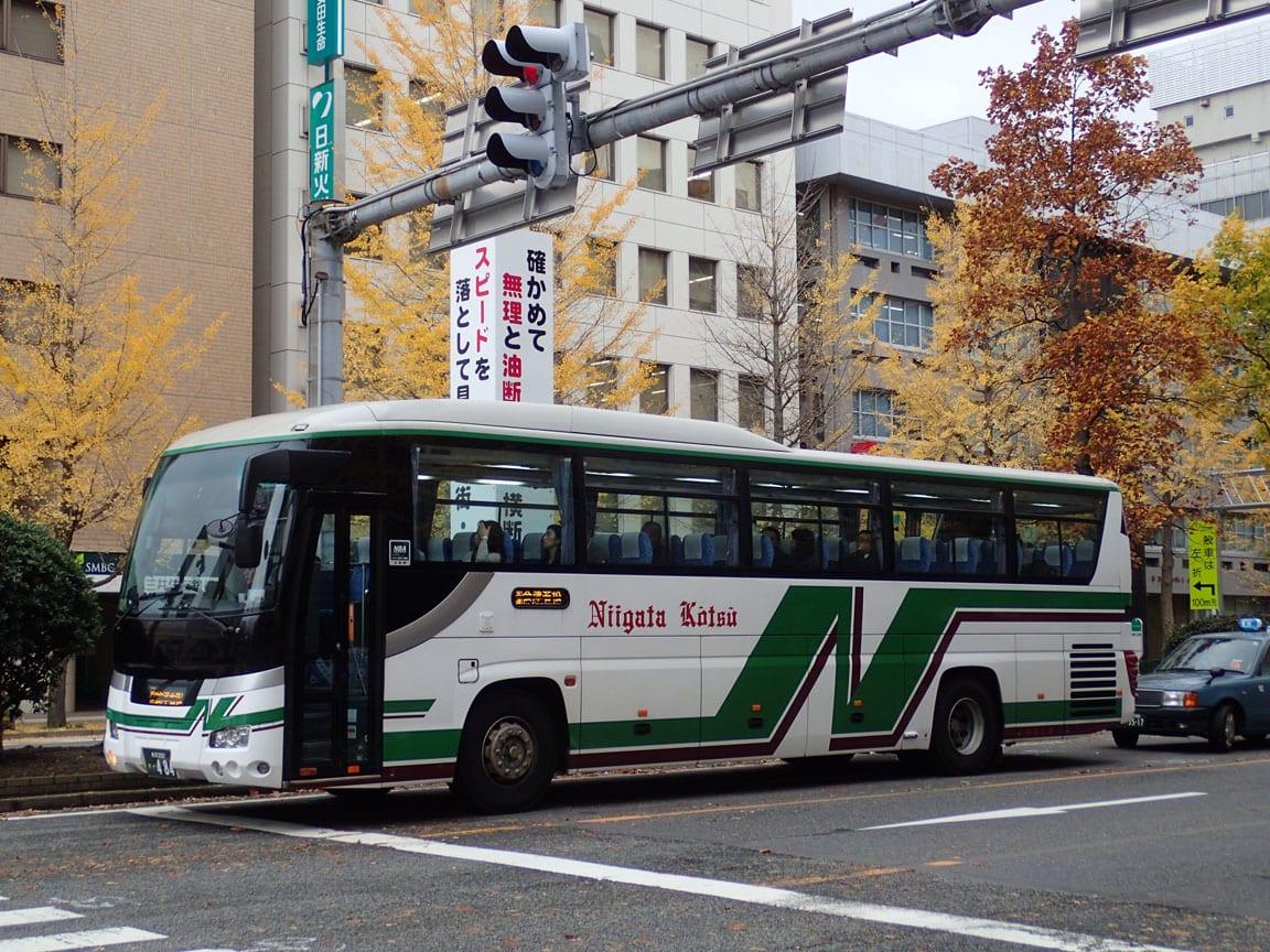 新潟交通・高速バス「新潟~池袋線」~割安運賃ながらも3列 ...