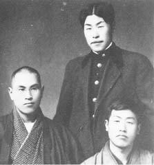 写真7:美校時代の武雄(大正5年2月20日撮影)後ろ側