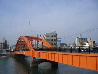 住吉橋東詰めから舟入本町方面を望む