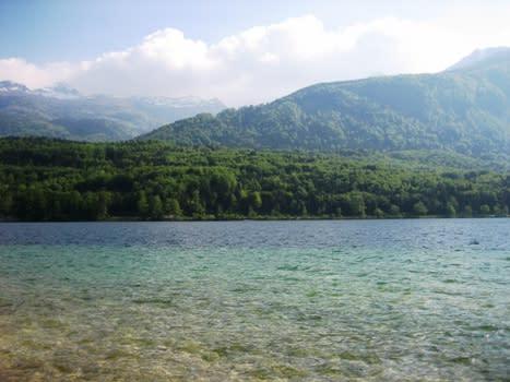 澄み切った湖が怖いYouTube動画>6本 ニコニコ動画>1本 ->画像>697枚