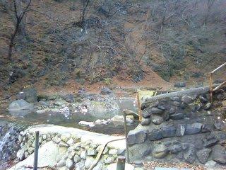 群馬県温泉遠征の三湯目は「尻焼温泉・川の湯」です。 尻焼温泉は国道沿いに...  卍の城物語
