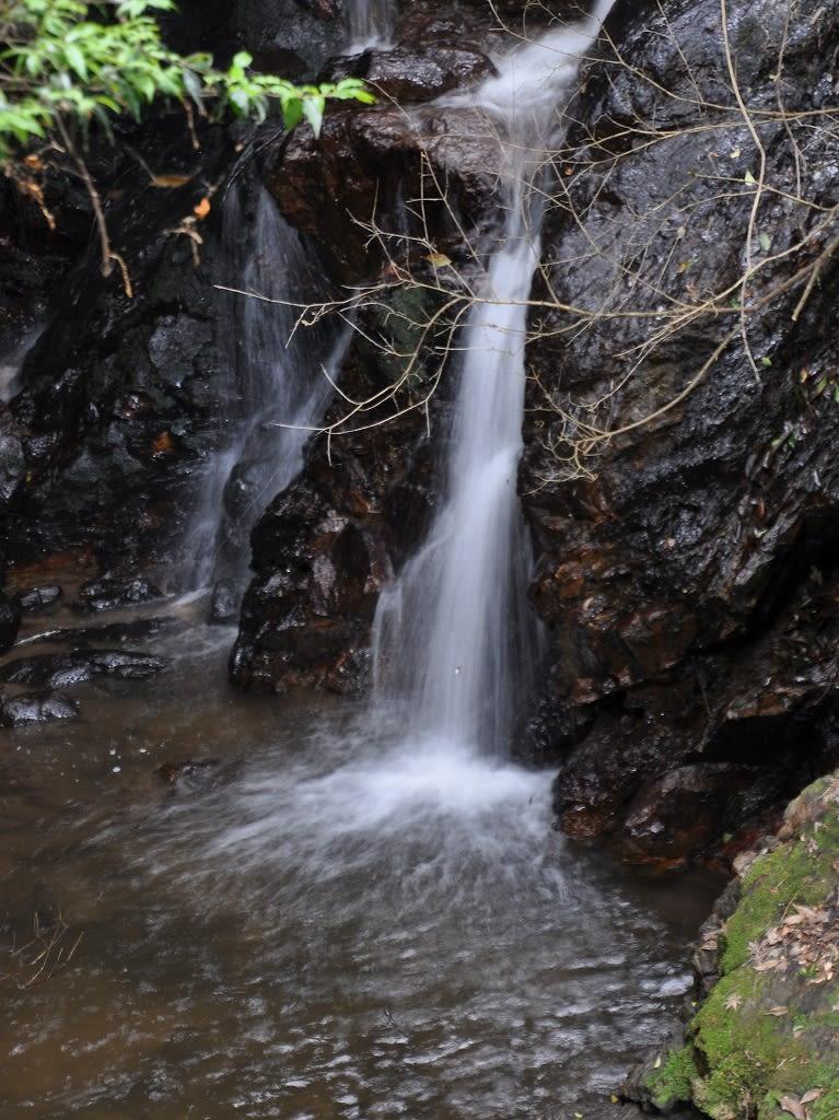 滝坂の滝下部
