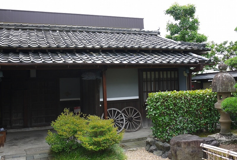 平井医院の門