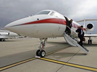 2013 08 20  危険が いっぱい【わが郷・経済】自家用飛行機で公聴会にやってきた莫迦どもは
