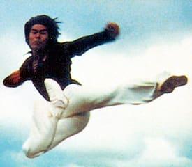 1974年にTV放映された本格クンフー・アクションで、ドラゴン・ブーム... 倉田保昭 「闘え!