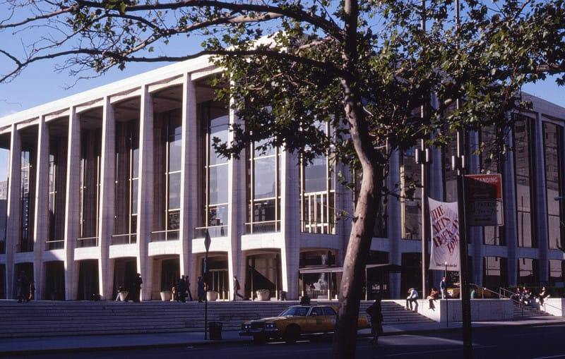 1_aveon_fisher_hall_lincoln_center_