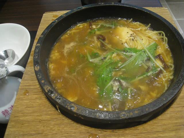 石焼酸辣湯麺小籠包セット