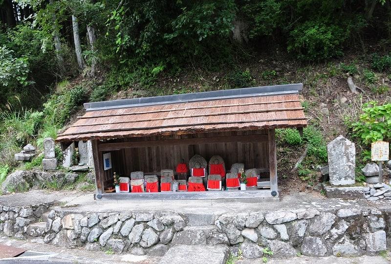 辻の地蔵堂