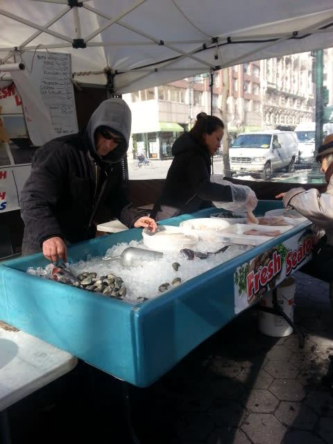 冬の日のマーケット