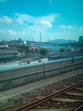 小倉駅付近から門司区方面を見る。